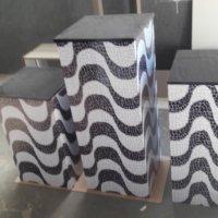 adesivo em cubos de madeira
